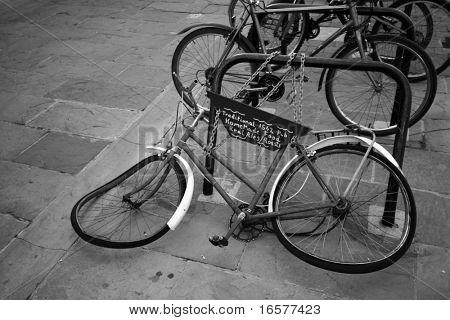 Old an mangled bike (B&W photo)
