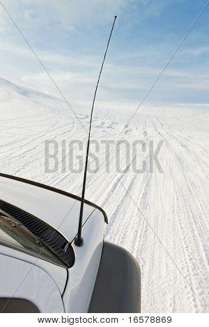 4x4 driving up Eyjafjallajokull glacier