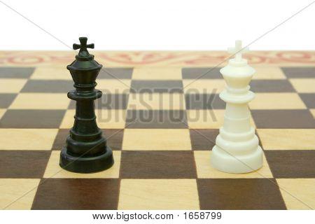 Two Kings On Chessboard (Tie)