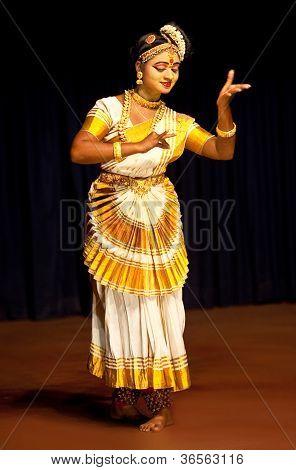 Mohiniyattam dança, Índia