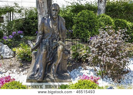 Estátua de Henryk Sienkiewicz em Vevey