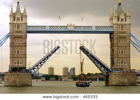 Opened Tower Bridge, London, Uk