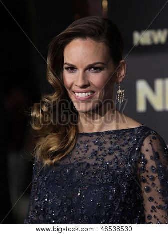 LOS ANGELES - DEC 05:  HILARY SWANK arriving to