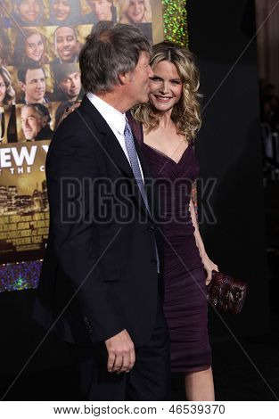 LOS ANGELES - DEC 05:  MICHELLE PFEIFFER & DAVID E. KELLEY arriving to