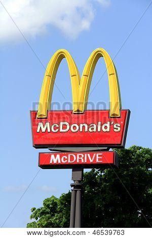 Logo McDonalds Against Sky