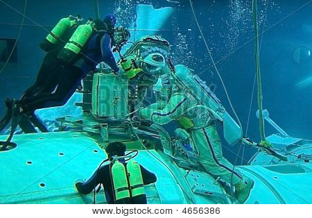 Spacewalk Training In The Hydrolab Pool