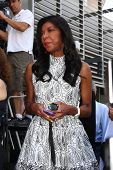 LOS ANGELES - MAY 31:  Natalie Cole at the David Foster Hollywood Walk of Fame Star Ceremony at the