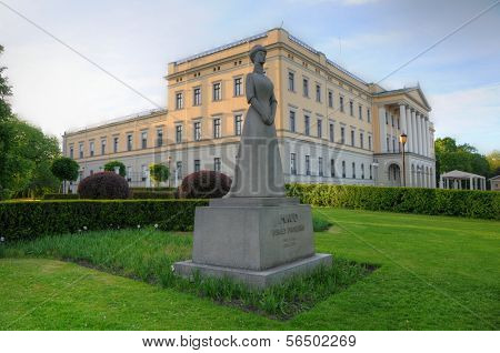 Panoramic view on the Royal Palace and Queen Maud statue in Oslo, Norway
