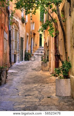 Small street at Saint Tropez, C�´te d'Azur, France