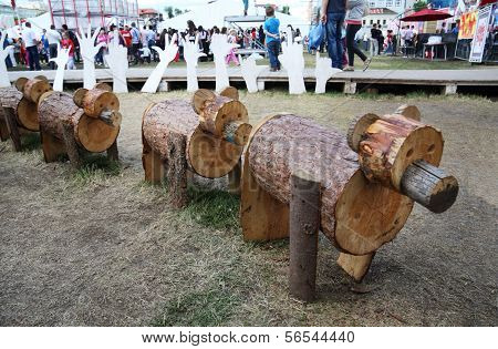 Perm - June 10: Wooden Bears At Festival White Nights, On June 10, 2012 In Perm, Russia. 30000 Touri