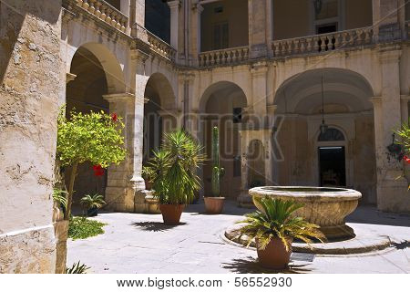 Old courtyard in the city of Mdina, Malta.