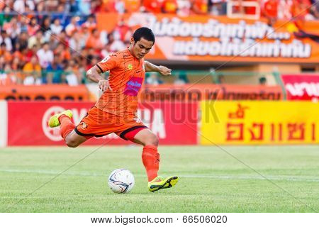 Sisaket Thailand-june 8: Ekkapan Jandakorn Of Sisaket Fc. In Action During Thai Premier League Betwe