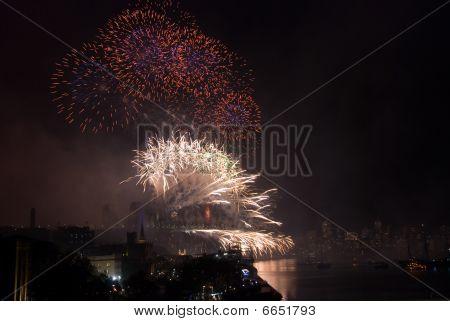 Sydney Harbour Bridge Nye Fireworks