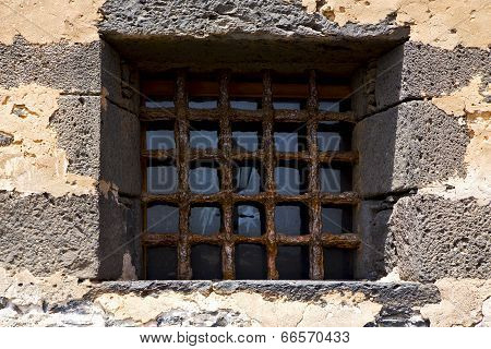 Brown Distorted  Castle Window   Broke   Wall Arrecife Lanzarote Spain