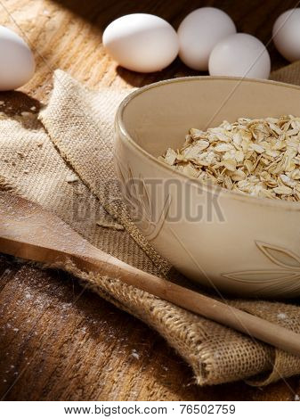 oat flakes and eggs