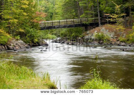 Ponte do Rio andando