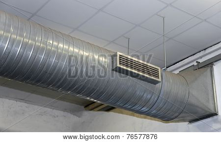 Air Conditioning And Heating With Stainless Steel Tubing In A Workshop
