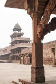 picture of mughal  - Abandoned mughal palace in Fatehpur Sikri India - JPG