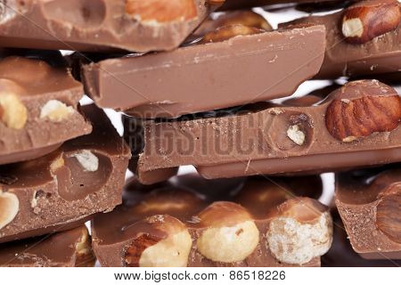 Milk chocolate with hazelnuts