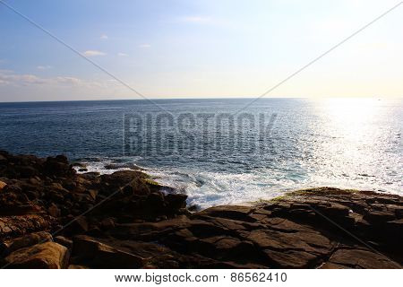 Views of the Indian ocean from a cliff in Mirissa
