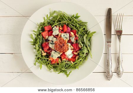 Rucola salad with tomato pesto