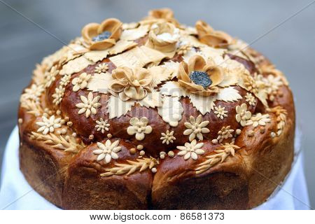 Traditional ukrainian wedding bread. Shallow DOF