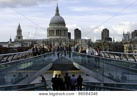 Saint Paul´s Cathedral From Millennium Bridge
