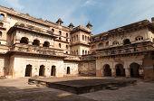 pic of india gate  - Raj Mahal palace in Orchha - JPG