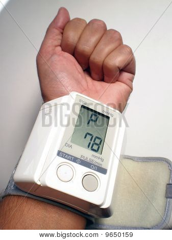 pulsimeter device on a man Wrist
