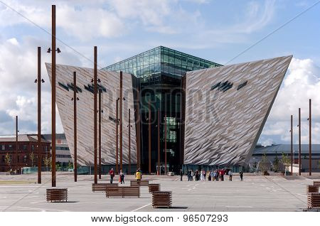 Titanic Visitor Center In Belfast