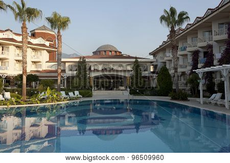 Hotel Larissa Sultan's Beach In Camyuva