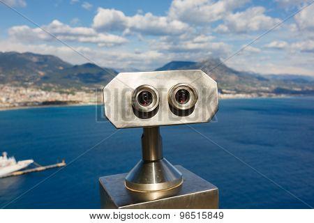 Binoculars For Tourists In Alanya