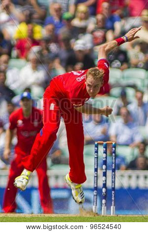 LONDON, ENGLAND - June 19 2013: England's Stuart Broad bowling during the ICC Champions Trophy semi final match between England and South Africa at The Oval Cricket Ground