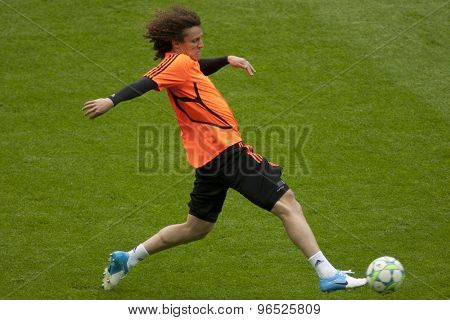 MUNICH, GERMANY May 18 2012 Chelsea's defender David Luiz during the official Chelsea training for the 2012 UEFA Champions League Final played at the Allianz Arena Munich