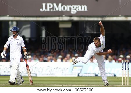 LONDON, ENGLAND. AUGUST 17 2012 South Africa's Jacques Kallis bowling during the third Investec cricket  test match between England and South Africa, at Lords Cricket Ground