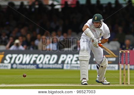 LONDON, ENGLAND. AUGUST 16 2012 South Africa's Graeme Smith batting during the third Investec cricket  test match between England and South Africa, at Lords Cricket Ground