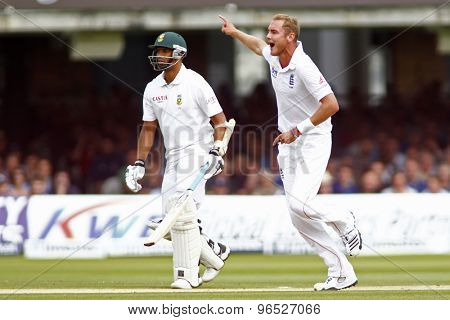 LONDON, ENGLAND. AUGUST 17 2012 England's Stuart Broad appeals for a wicket during the third Investec cricket  test match between England and South Africa, at Lords Cricket Ground