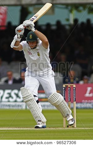 LONDON, ENGLAND. AUGUST 16 2012 South Africa's Graeme Smith leaves a ball during the third Investec cricket  test match between England and South Africa, at Lords Cricket Ground