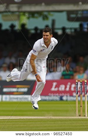 LONDON, ENGLAND. AUGUST 19 2012 England's James Anderson bowling during the third Investec cricket  test match between England and South Africa, at Lords Cricket Ground