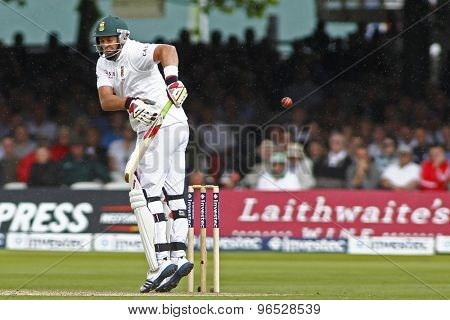 LONDON, ENGLAND. AUGUST 16 2012 South Africa's Jacques Kallis gloves the ball and is given out on review during the third Investec cricket  test match between England and South Africa