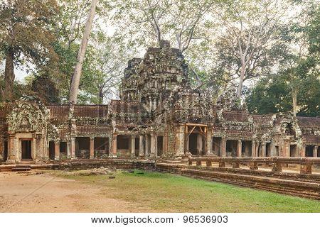 Ta Prohm Temple ancient gate, Angkor
