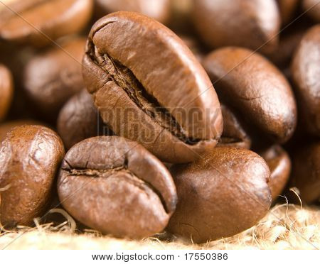 roasted coffe beans macro texture