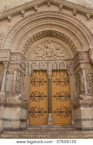 St Trophime Portal Detail (arles, France)