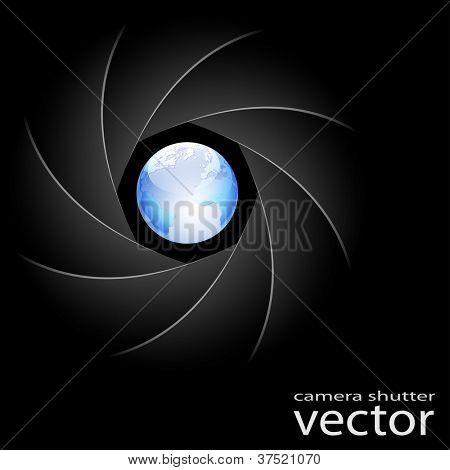 Ilustración del obturador de la cámara y el planeta tierra sobre fondo negro. Vector.