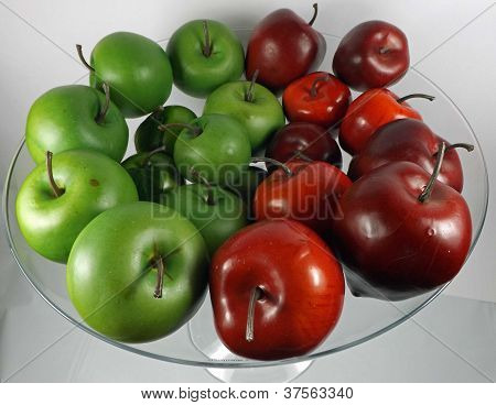 green and red apples background