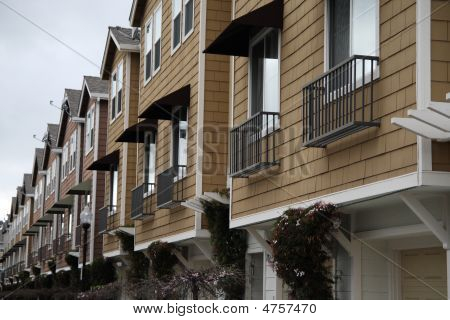 Endless Townhouses