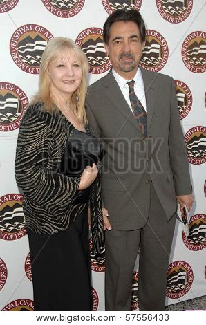 Joe Mantegna and wife Arlene at the 11th Annual Festival of Arts Pageant of the Masters. Private Location, Long Beach, CA. 08-29-09