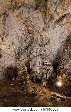 Muierilor Cave