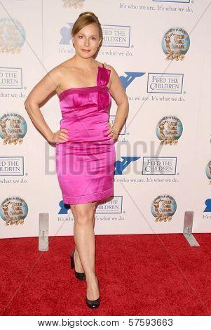 Elle Travis at the 2009 World Magic Awards benefitting Feed The Children. Barker Hanger, Santa Monica, CA. 10-10-09