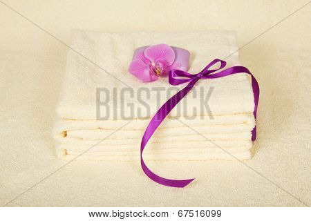The bathing accessories decorated with orchid
